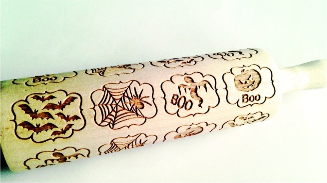 Rolling pin with HALLOWEEN WINDOWS pattern