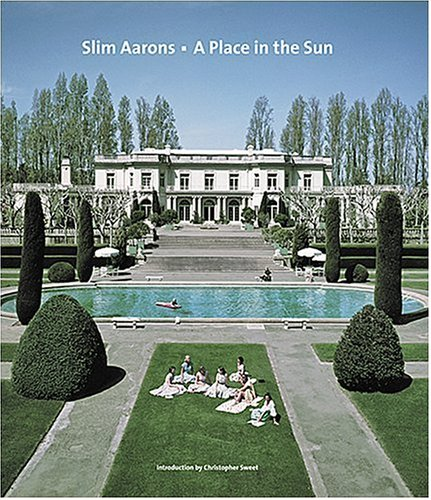 Since 1940 Slim Aarons has been hard at work, first as a war photographer, then with unprecedented access as a photographer to the rich and famous. In this gorgeous sequel to Slim Aarons-Once Upon a Time, he develops the environmental portrait to the...