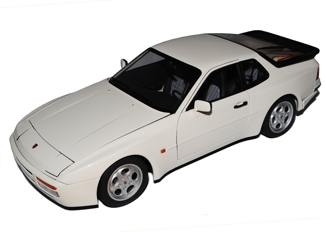 AUTOart Porsche 944 Turbo Coupe Weiss 1981-1991 77958 1 18 Modell Auto
