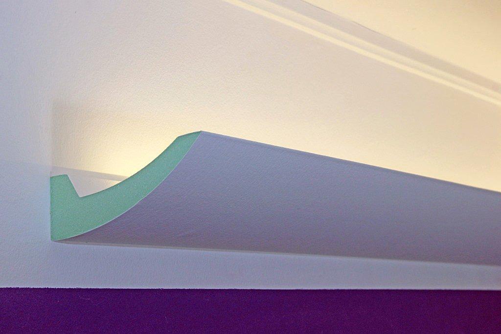 BENDU – Klassische und gleichzeitig moderne LED Stuckleisten bzw. Lichtvouten für indirekte Decken-Beleuchtung aus Hartschaum DBKL-125-PR von BENDU. Kombinierbar mit LED Stripes oder Lichtschlauch. BENDU Fassaden- Stuck & Lichtprofile