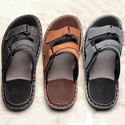 XIAOLIN Sandalias y pantuflas Sandalias de cuero para hombres Zapatos de playa para deslizamiento al aire libre (tres colores disponibles) (Tamaño opcional) ( Color : Negro , Tamaño : EU44/UK10/CN46 ) Marrón