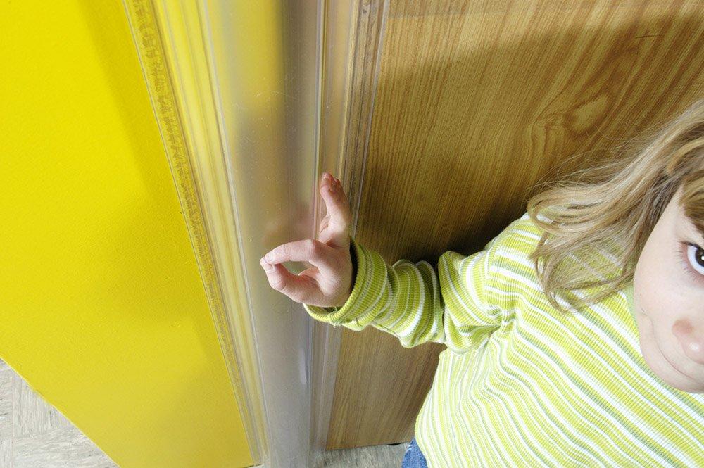 Finger Alert 1500mm (finger alert) finger scissors prevention cover 0-year-old to 6-year-old one set (cover for the front side, the back side) semi-transparent by Finger Alert (Image #7)