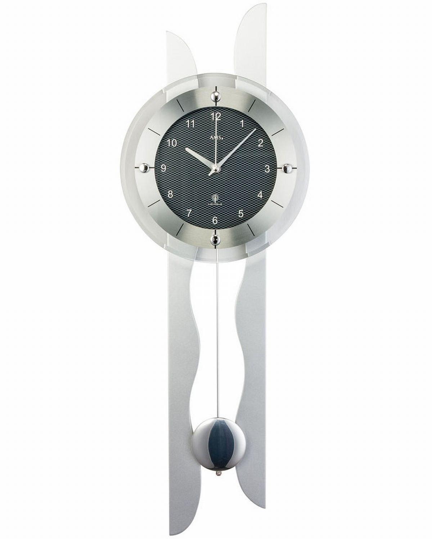 AMS Funk-Wanduhr mit Pendel in einem modernen Design, Farbe Silber  Ziffernblatt in Carbon-Optik, analoge Zeitwiedergabe