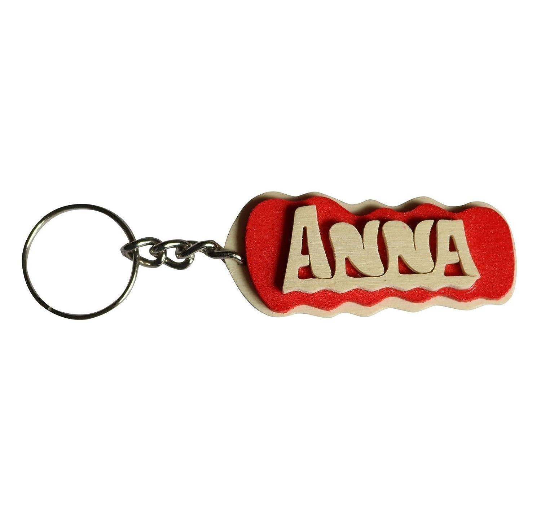 Portachiavi personalizzato in legno fatto a mano con nome o data, da indossare o per fare un regalo originale.