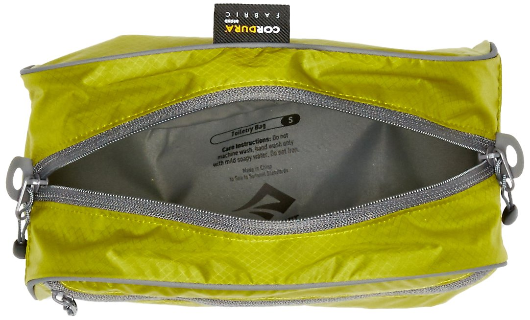 ab48c792577f Amazon.com  Sea to Summit Travelling Light Toiletry Bag  Sports   Outdoors