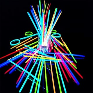 I bagliori di incandescenza di 100PCS sono forniti dei connettori, dei bastoni di incandescenza, delle collane luminose, dei braccialetti, dei colori misti affinchè bambini usino Braccialetti di bagli