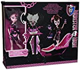 Monster High Draculaura Powder Room Playset with Exclusive Doll