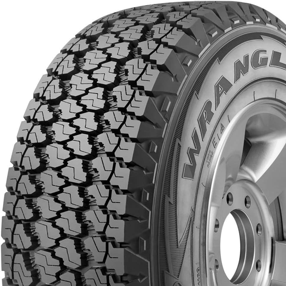 Truck//SUV All Terrain//Off Road//Mud Goodyear Wrangler Silentarmor P245//75R17 Tire All Season