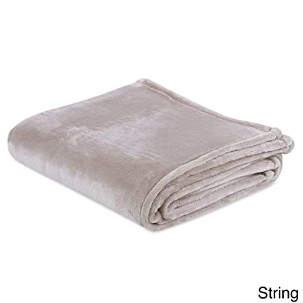NIL 1pc Ivory Solid Silky Plush Blanket (60 quot  Wide x 70 quot  Long) 879221ec5