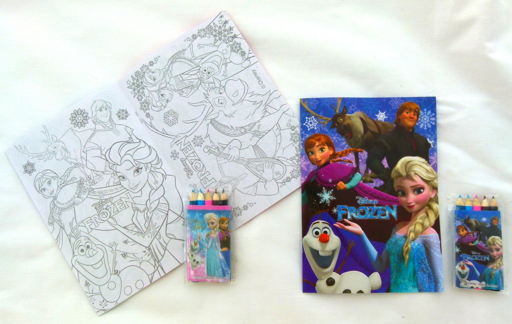 Pink Frozen Themed Anna Elsa and Olaf 18.2cm x 13cm 8pp Coloring Paper with 5 colour pencils Set