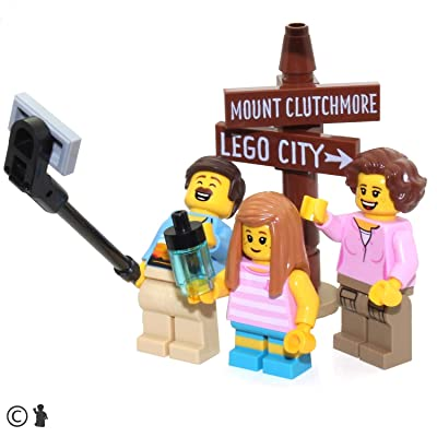 LEGO Outdoor Adventure Minifigure: Hiker Family (w/ Selfie Stick & Landmark Sign) 60202: Toys & Games