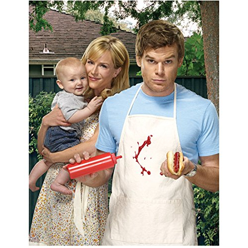 Dexter Michael C. Hall in apron with Julie Benz as Rita holding infant 8 x 10 Inch Photo