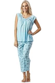 86f1cff8762 Casual Nights Women's Lace Sleeveless Top and Capri Bottom Sleepwear Pajama  Set