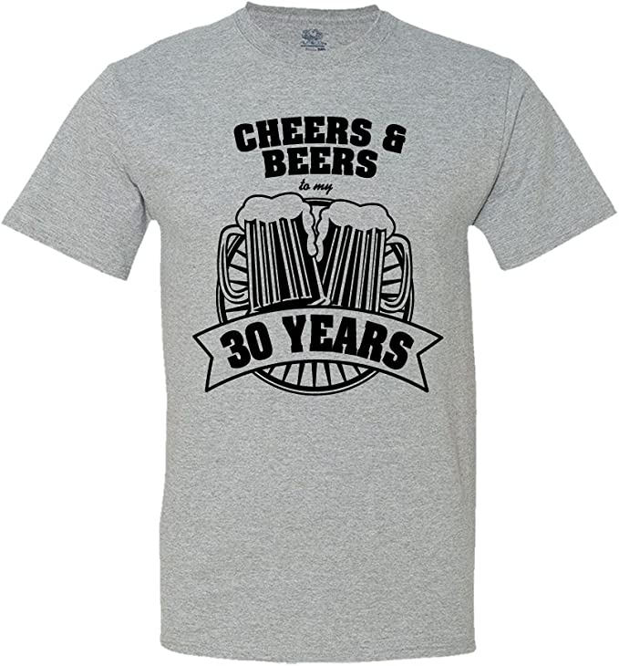 Amazon.com: Cheers y Cervezas a mi 30 años playera 30th ...