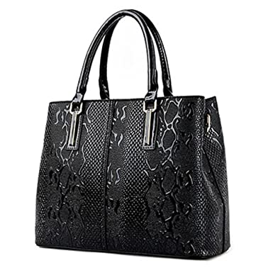 fa370930f Amazon.com: NewPU Leather Women Bag Ladies Luxury Snake Shoulder Bags  Designer Handbags Spring Ladies Tote Bag Black 32cm: Clothing