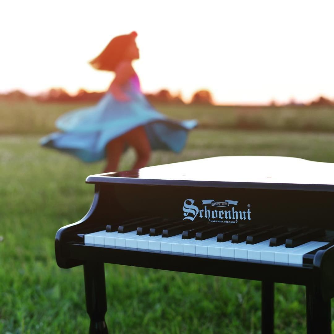 Schoenhut 30 Key Classic Baby Grand with Bench by Schoenhut
