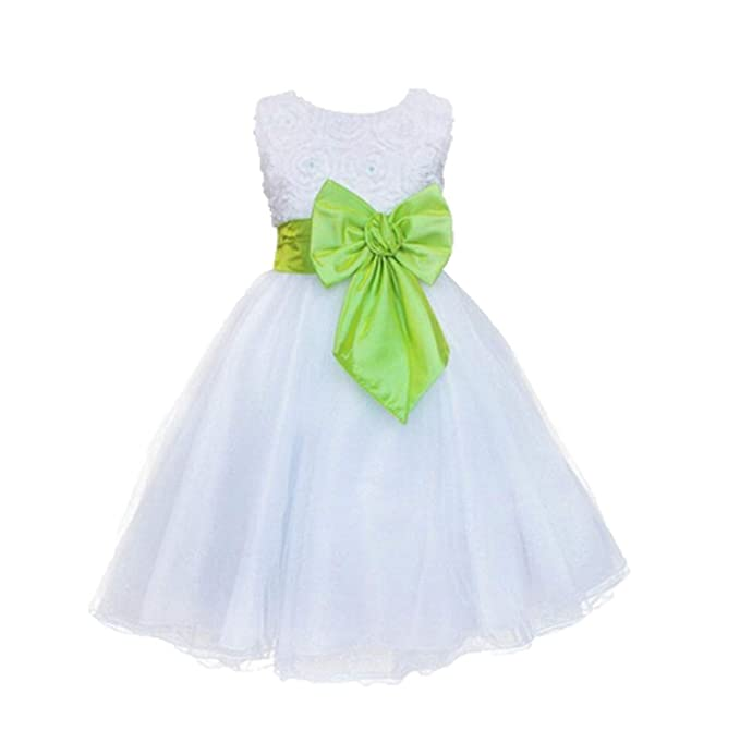 Complementos para un vestido verde y blanco