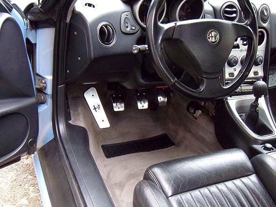 Pedale Set Mit Fußstütze Stahlabdeckung Für Alfa Romeo Gtv Spider 916 4 Stück Pedal Pedalkappen Brems Gas Kupplungspedal Fußablage Fußpedal Edelstahl Gebürstet Komplett Auto