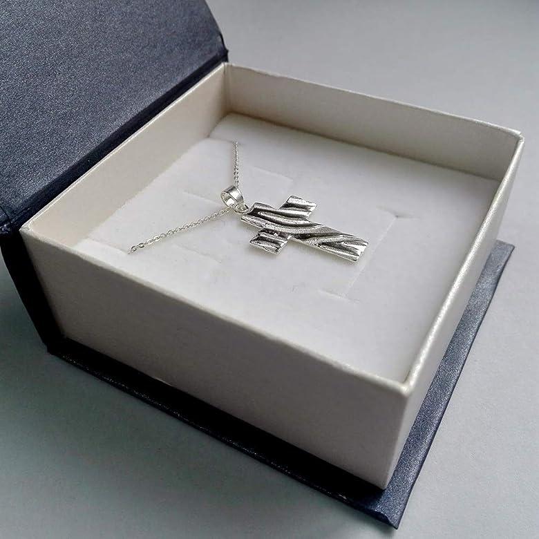Alylosilver Collar Colgante Cruz de Plata para Mujer - Terminación Brillante y Mate. Incluye Cadena de Plata de 45 cm y Estuche para Regalo: Amazon.es: Joyería