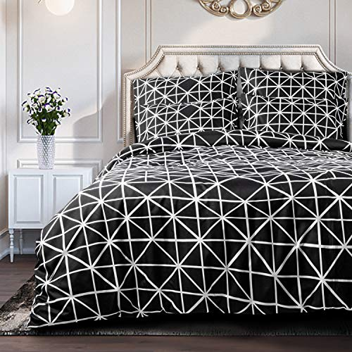 NTBAY 3 Pieces Duvet Cover Set, Brushed Microfiber, Geometric Patterns Printed, Bedding, Black and White, Triangle, King