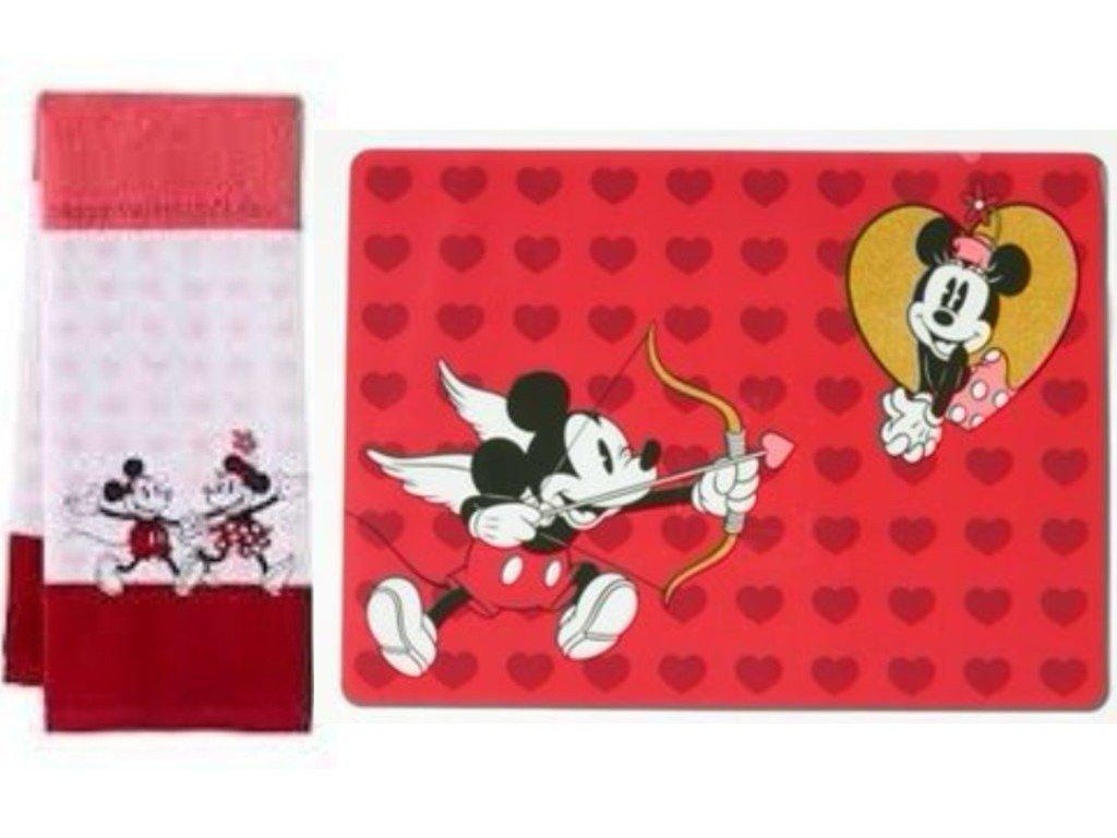 Amazon Com Disney Valentine S Day Mickey Minnie Kitchen Towel