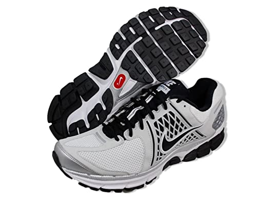 outlet store fafa8 c85d8 Amazon.com  Nike Zoom Vomero+ 6 Running Shoes - Size 8 Black White  Clothing