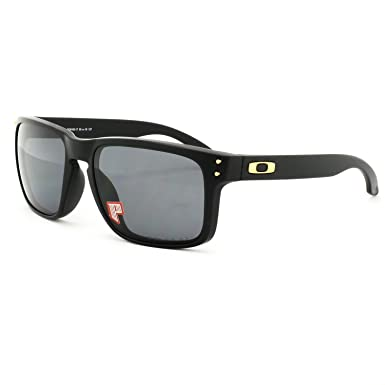 6072d80c3c Oakley Holbrook Shaun White Signature Series Black OO9102 17 55-18 Medium  Polarized  Oakley  Amazon.co.uk  Clothing