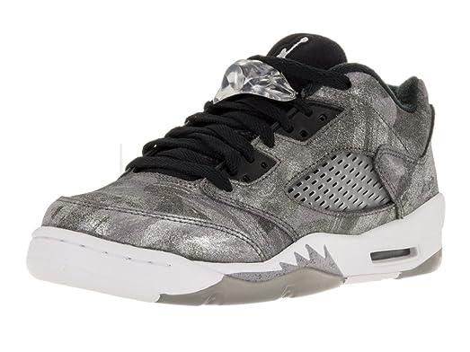 Nike Air Jordan 5 Retro Foto En Blanco Y Negro De Niños En Invierno