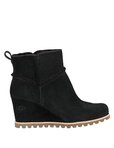 a44619706aa UGG Women's W Marte Fashion Boot: Amazon.co.uk: Shoes & Bags