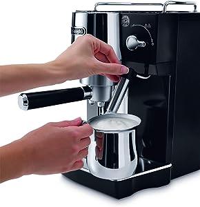De'Longhi EC 820 mit einstellbarem Cappuccino System für perfekten Milchschaum