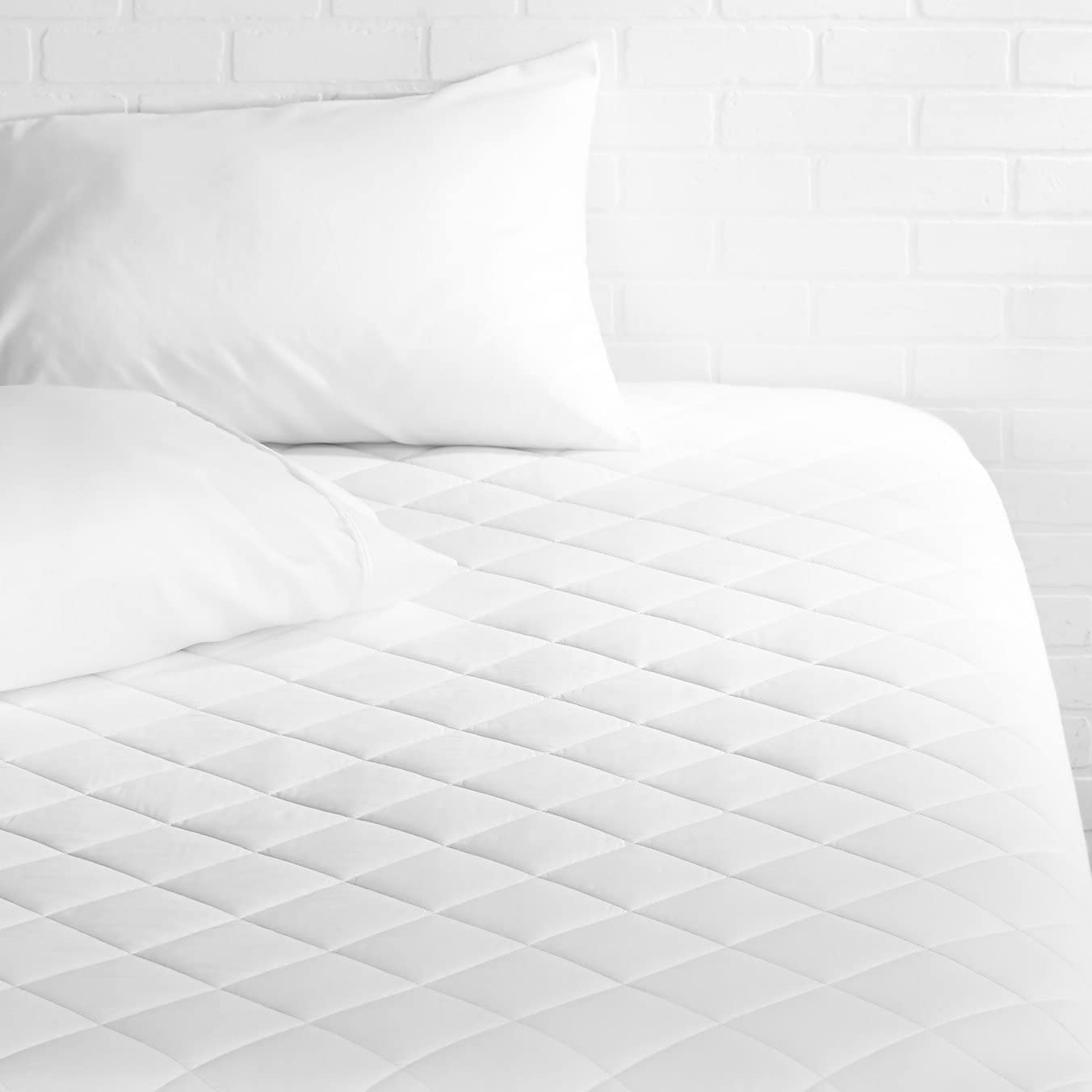AmazonBasics Hypoallergenic Quilted Mattress Topper Pad Cover - 18 Inch Deep, California King