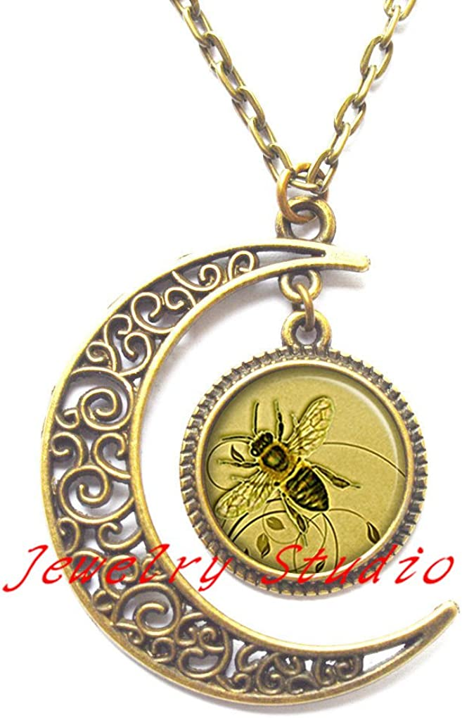 Bee Lover Gift Bee Charm Pendant Bee Charm Necklace Bee Jewelry Birthday Bee Gift Charm Necklace Bumblebee Necklace Honeybee necklace