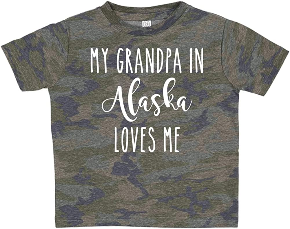 My Grandpa in Alaska Loves Me Toddler//Kids Short Sleeve T-Shirt