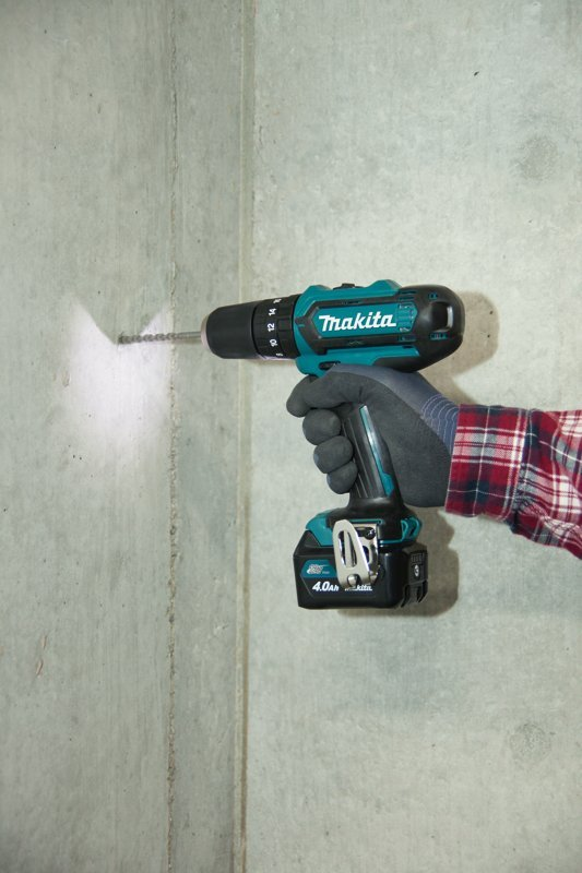 Makita HP331DWAE 10.8 V Li-ion CXT Combi Drill Complete with 2 x 2.0 Ah Li-ion Batteries and Charger in a Carry Case