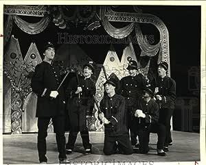 Amazon.com: Historic Images - 1983 Press Photo Cast of The