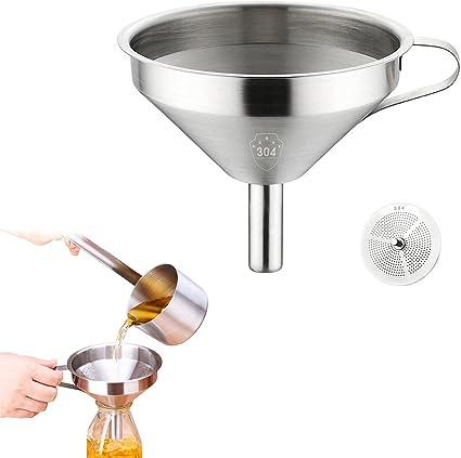 ein unverzichtbares Küchengerät Trichter mit Sieb und praktischem Griff