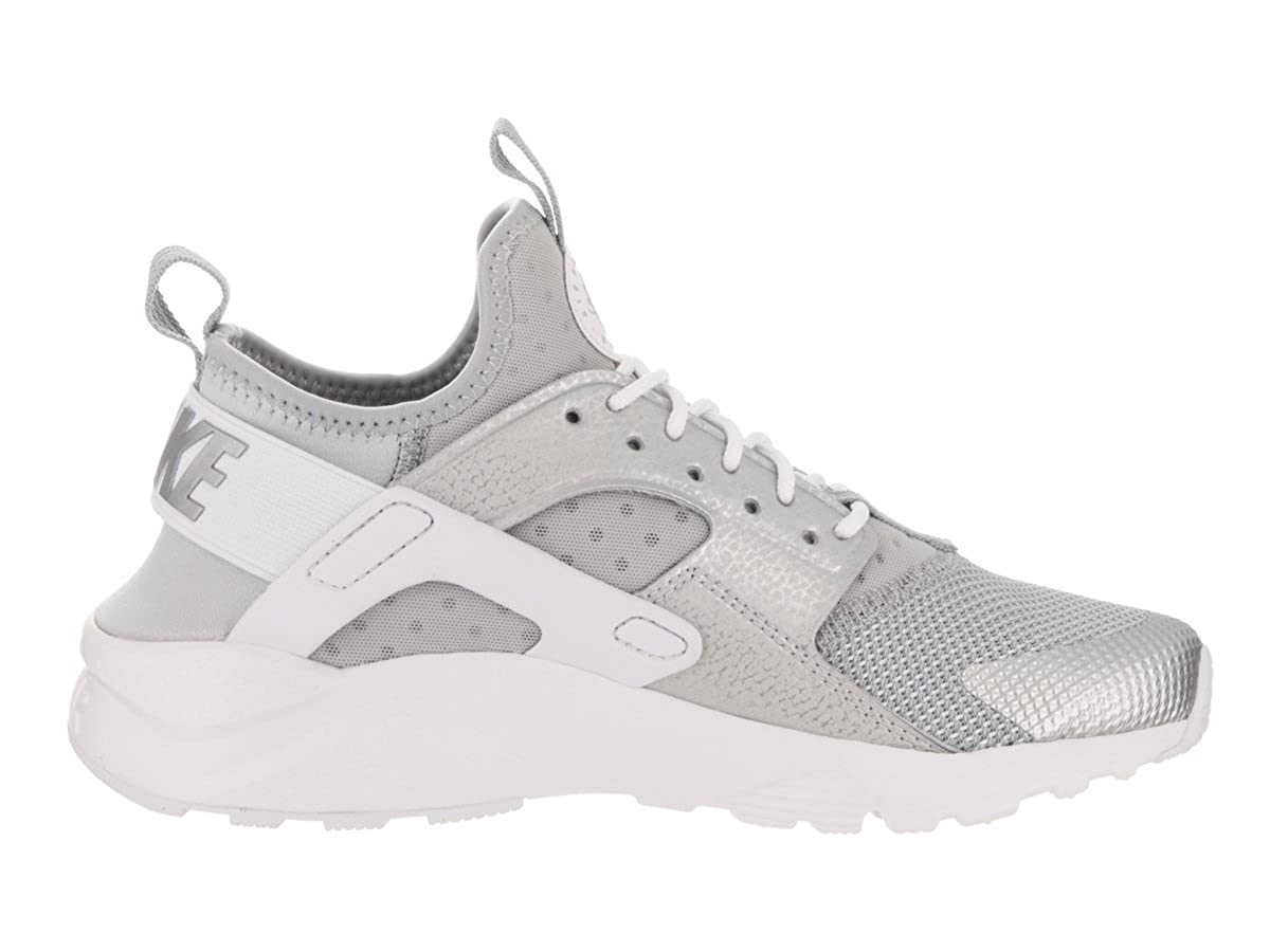 42549ceca7 Nike Kids Air Huarache Run Ultra GS Metallic Silver Running Shoe 6 Kids US:  Amazon.co.uk: Shoes & Bags