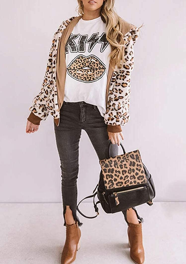 Women Leopard Lips Graphic Shirt Funny Kiss Novelty Printed T-Shirt Summer Retro Vintage Casual Loose Fit Tee Blouse