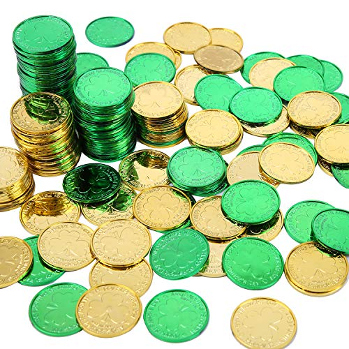Elcoho 240 Lucky Plastic St. Patrick's Day Coins Green and Gold Shamrock Coins Table Sprinkles for St. Patrick's Day Party