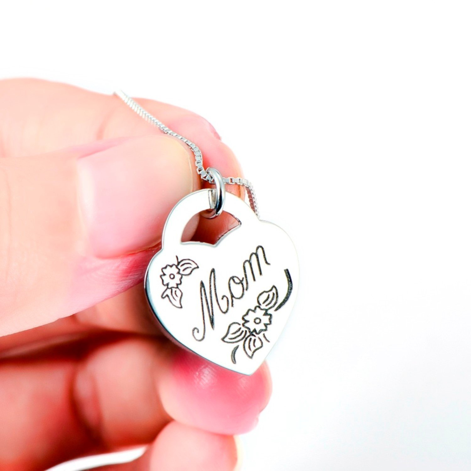 CS-DB Silver Necklaces Pendants Love Heart with Flower Pattern Pendent