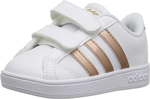 compilar altavoz Gran cantidad  Amazon.com: adidas - Zapatos de uso diario para niños: Shoes