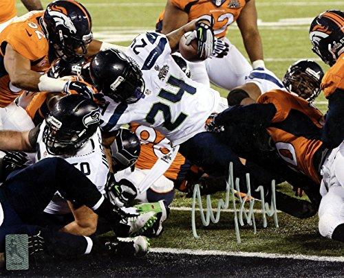 Marshawn Lynch Autographed 8x10 Photo Seattle Seahawks Super Bowl ML Holo