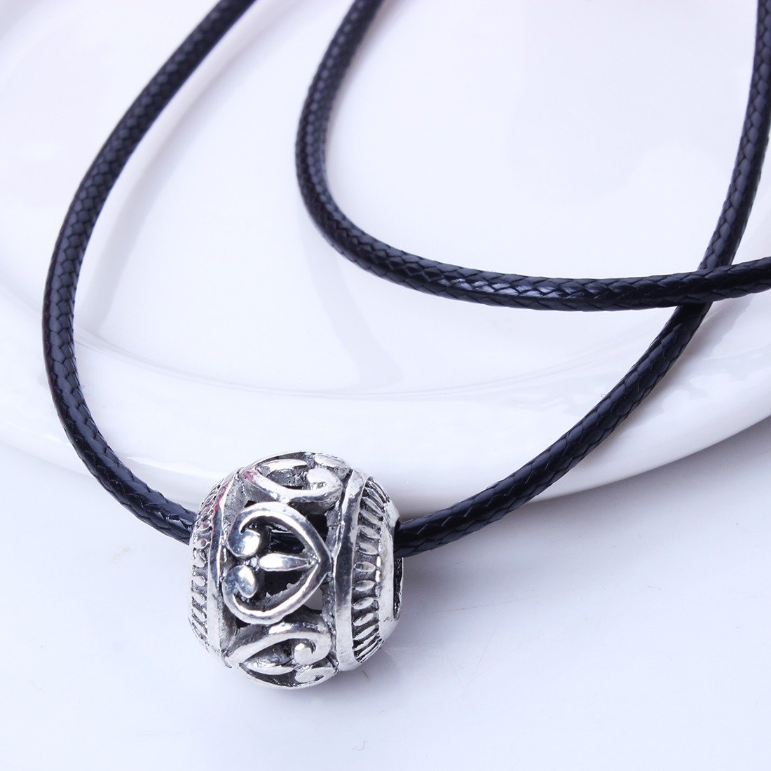 Qiyun Tibet Silver Hollow Out Slide Round Bead Slide Charm Pendant Black Rope Necklace Slide Argent Diapositives Ronde Corde Noire Collier