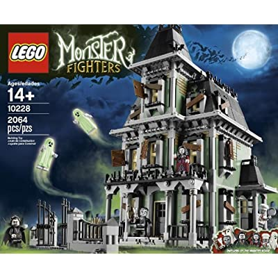 LEGO Monster Fighters Haunted House 10228: Toys & Games
