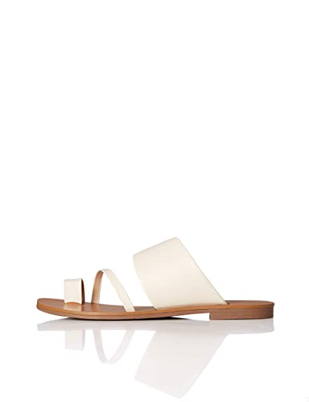 Amazon Brand   Find. Women's Asymmetric Toe Thong Flat Sandals Slipper by Find.