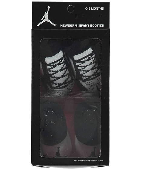 7b19c52ab Amazon.com  Nike Jordan Infant Boy s 2-Pair Booties