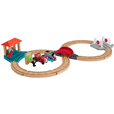 Thomas & Friends Fisher-Price Wood, Racing-8 Set: Toys & Games
