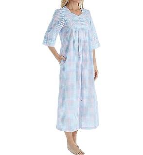 Miss Elaine Women s Plaid Seersucker Long Zippe Robe 9204b8b68
