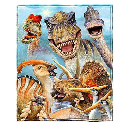 Dawhud Direct Dinosaurs Selfie Fleece Throw Blanket ()