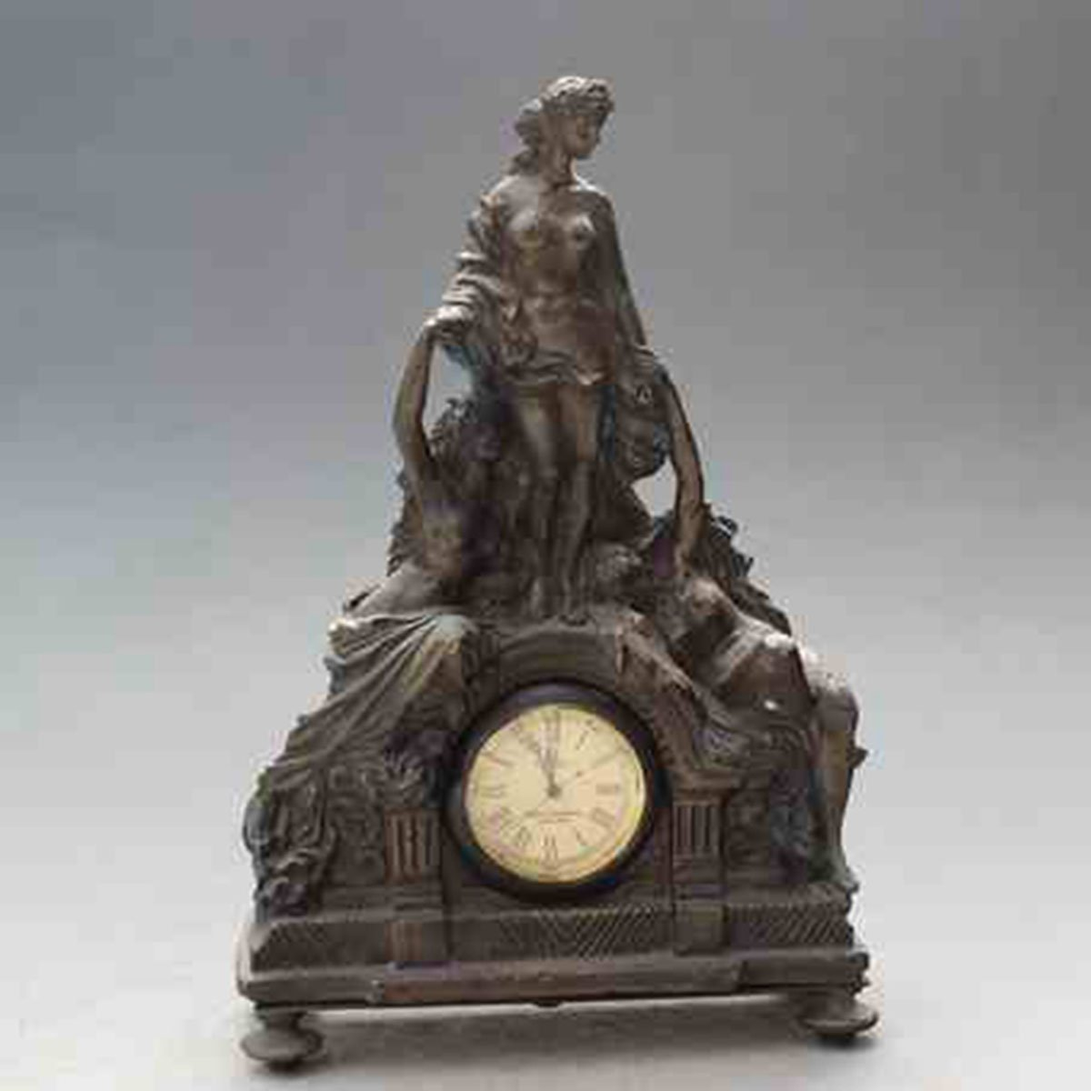 European Beauty modelling copper watch Mechanics Desk clock Arts and Crafts